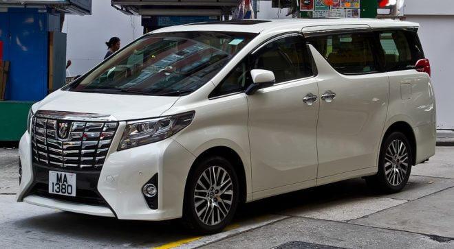 авто Toyota Alphard